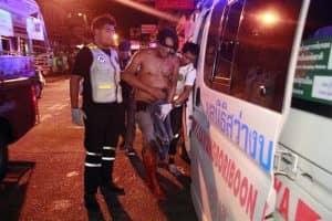 チェンマイでヤク入りチキンを配達していたゲイカップルが逮捕される