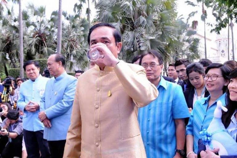 「タイの水道水は安全」プラユット首相、国民に節約のため飲用を推奨