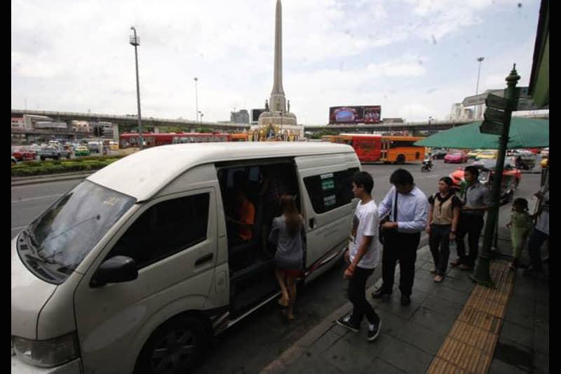 タイ運輸省、今年10月からの戦勝記念塔のミニバンサービス移転を発表