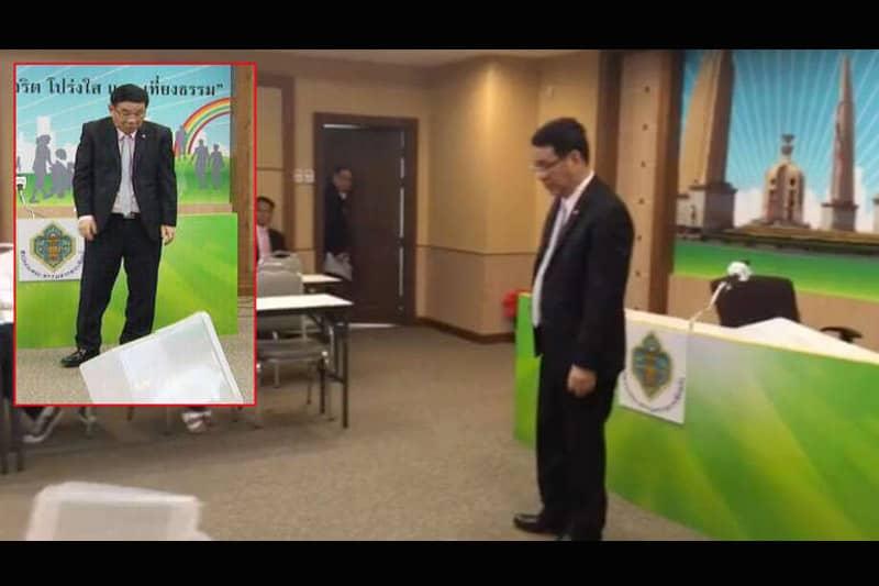 憲法草案の国民投票用に準備した耐久性抜群の投票箱、すぐに壊れる!