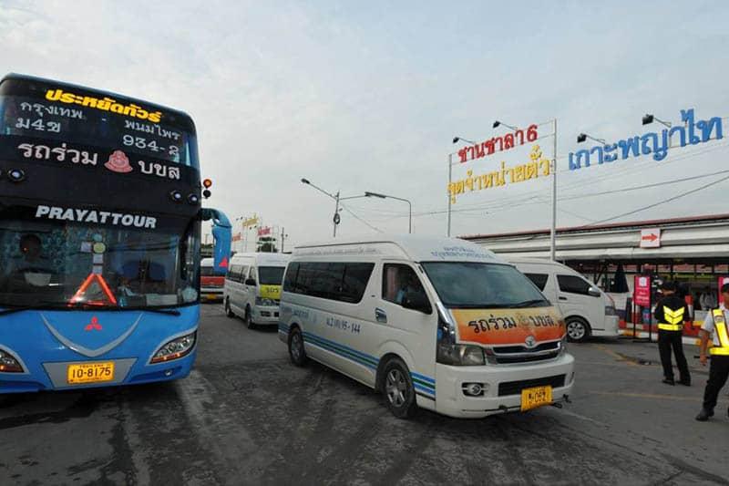 戦勝記念塔のミニバンが3つのバスターミナルに移転後、運行開始!