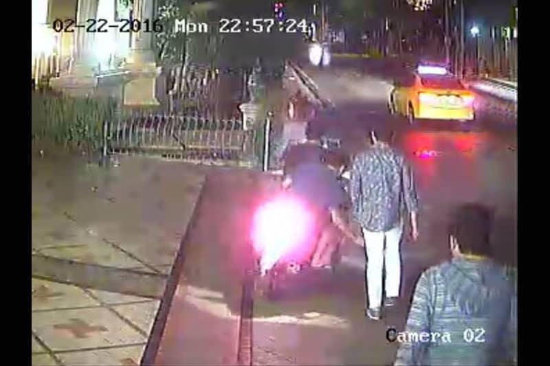 プロンポン近くで日本人からバッグを引ったくったタイ人窃盗団を逮捕