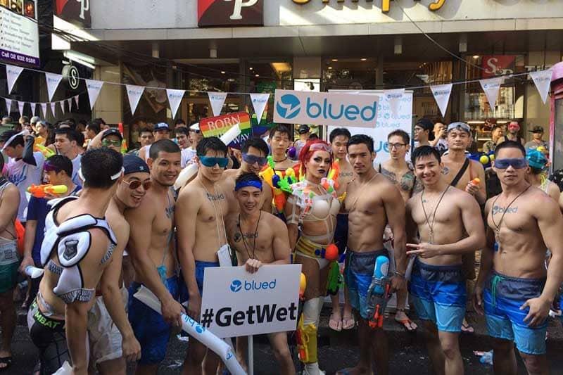 【悲報】2017年のタイの水掛け祭りはガチムチとイケメンの姿が目立つ