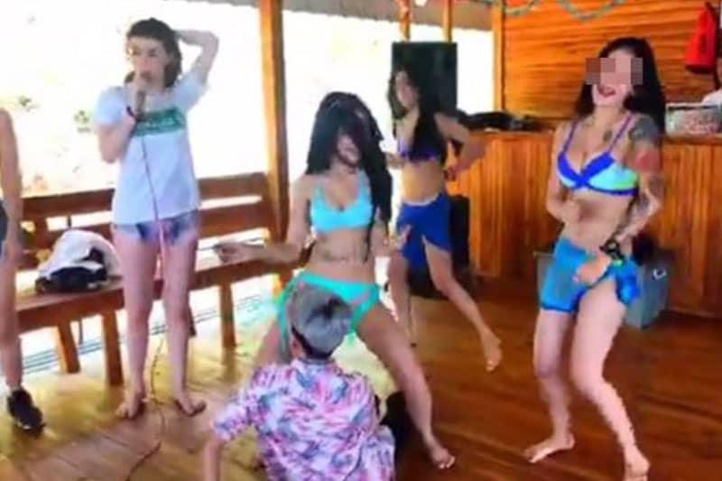 ビキニパーティーの映像を配信した主催者、ビールのステマ行為で告発