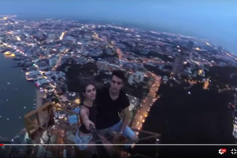 ロシア人バカップル、パタヤの廃高層ビルで自撮り