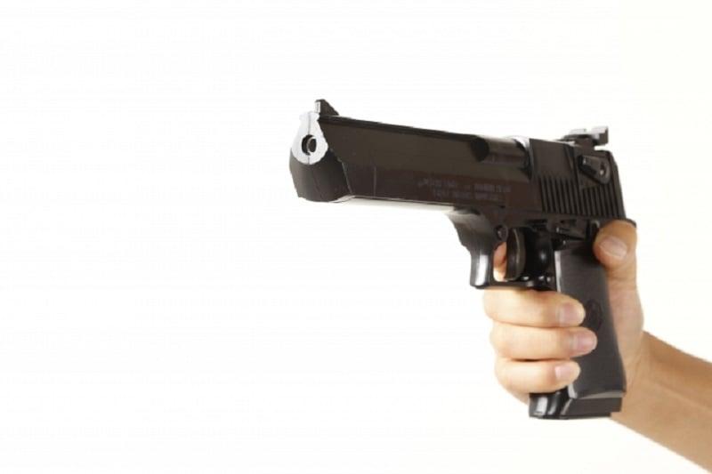 20バーツ(約70円)の玩具の銃で銀行強盗に挑んだ男!