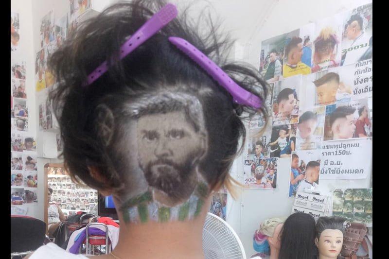 ワールドカップで盛り上がる中、好きな選手の似顔ヘアにしてくれる美容室が人気!