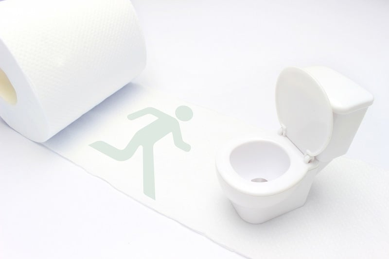 閲覧注意!中年男がBTSの座席にウ*チをして逃げ去る!→駅構内のトイレの必要性についての議論に発展