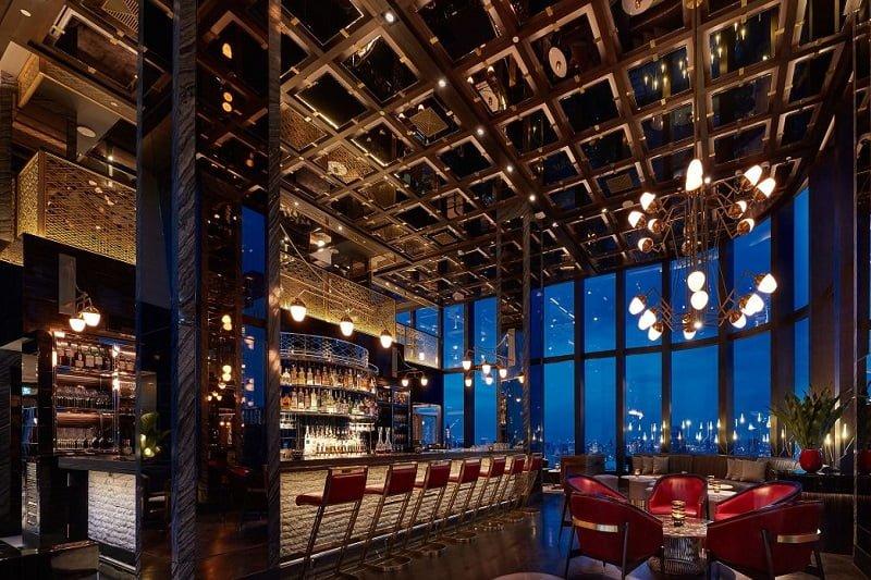 バンコクの高級ホテルのバーで格安で飲む裏技!