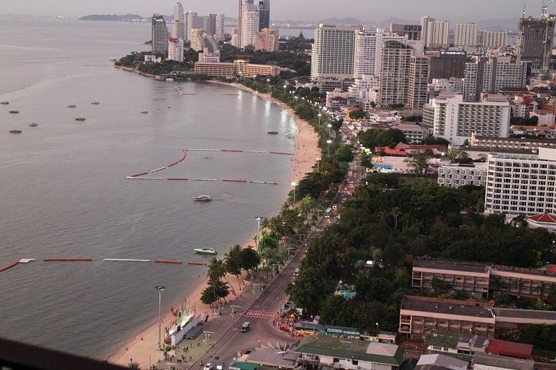 海岸線再建作業が終了、パタヤのビーチが綺麗に!市内を走る路面電車の計画も発表