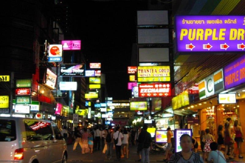 タニヤ通りのあるサラデーンなどバンコク市内3か所で、歩行者天国を12月に実施