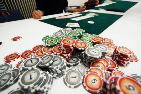 孫娘をギャンブルの借金のために売ったタイ人女