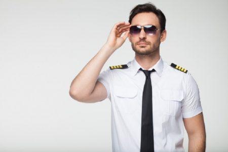タイ珍ニュース!パイロットのフリしてGF作り&変な言い訳の盗撮魔