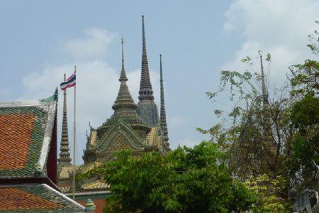 タイで起きた奇妙な事件~僧侶が涅槃に行くためにギロチンで自殺